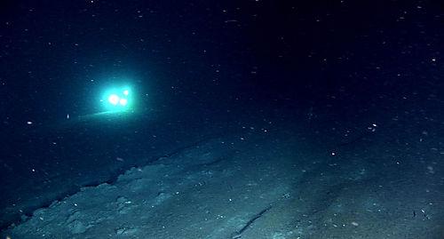 Trawl scar on bottom, DeepWorker 7 in background