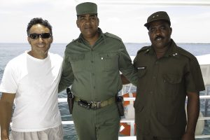 Our captain, Arjel, and the two soliders that delivered the letter from El Comandante to our vessel (Photo: David E. Guggenheim)